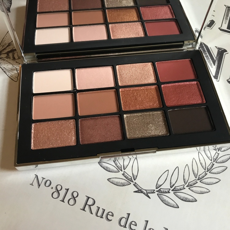 A look inside at the colors inside the NARSissist Wanted Palette