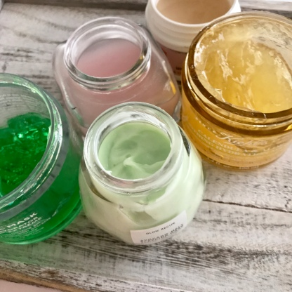 Calendula and aloe - My 5 Favorite Face Masks of 2018 - First Aid Beauty, Glow Recipe,Peter Thomas Roth, Kiehl's